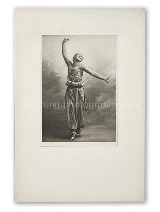 Plate 15, Auguste Bert Scheherazade M. Nijinsky 1910 Studies from the Russian Ballet London Fine Art Society 1913, image size 19.4 x 13.4 cm paper size 20.4 x 14.2 cm