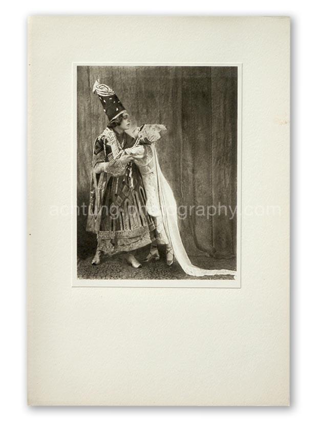 Plate 06, E.O. Hoppe Adolf Bolm and Tamara Karsavina in Thamar (Madame Thamar Karasavina and M. Adolph Bolm, Thamar), 1912, image size 19.3 x 14.5 cm paper size 20.3 x 15.3 cm