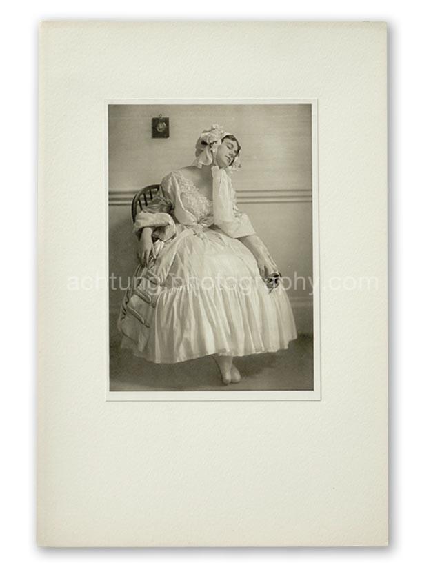 Plate 07, E.O. Hoppe Tamara Karsavina in Le Spectre de la Rose (Madame Thamar Karasavina, Le Spectre de la Rose), 1911, image size 19.3 x 13.8 cm paper size 20.4 x 14.6 cm
