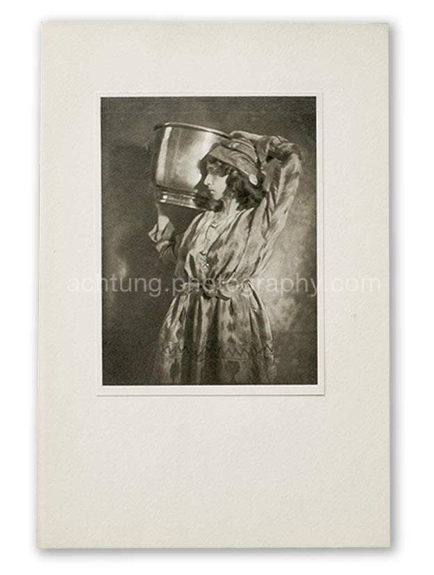 Plate 12, E.O. Hoppe Sofia Fedorova in Prince Igor (Madame Fedorova, Prince Igor), 1911, image size 19.3 x 14.5 cm paper size 20.2 x 15.4 cm