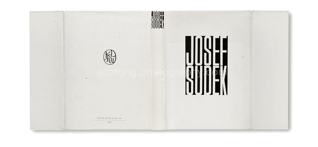 Dust jacket complete view