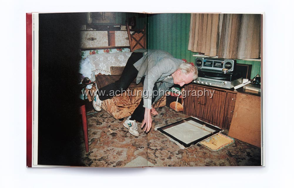 Richard_Billingham_Ray's_a_laugh_p03